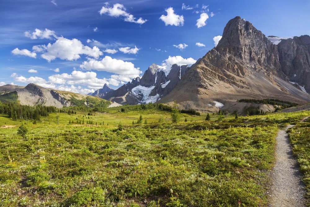 Vista del Parque Nacional de Kootenay en la Columbia Británica
