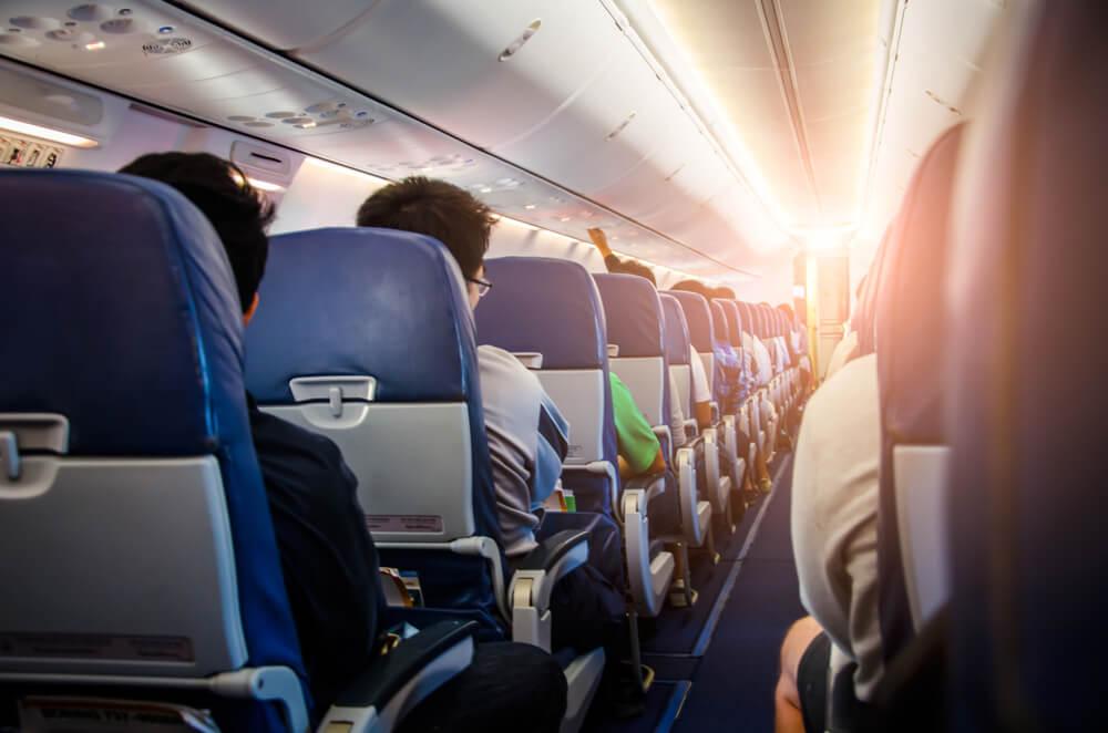 Cómo sobrellevar una turbulencia en el avión