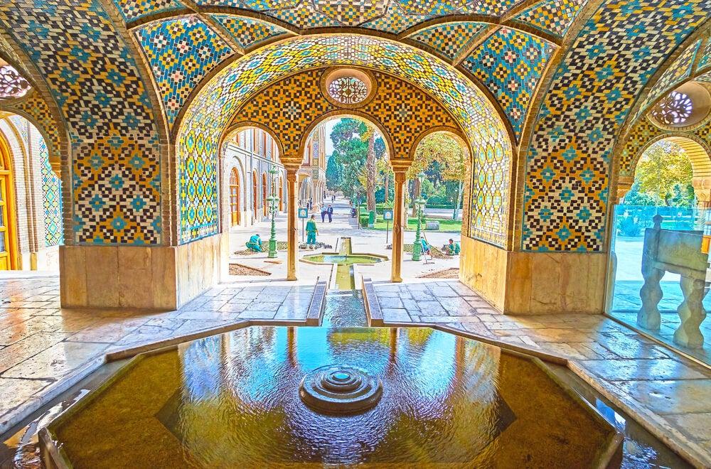 Patio del palacio de Golestán