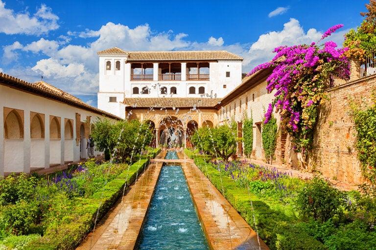 Conoce el Palacio del Generalife de Granada y sus huertas