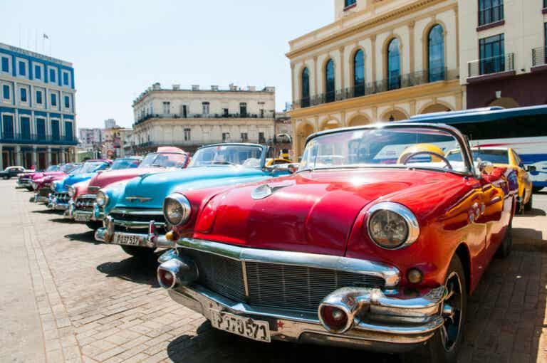 Los almendrones de La Habana: una vuelta al pasado