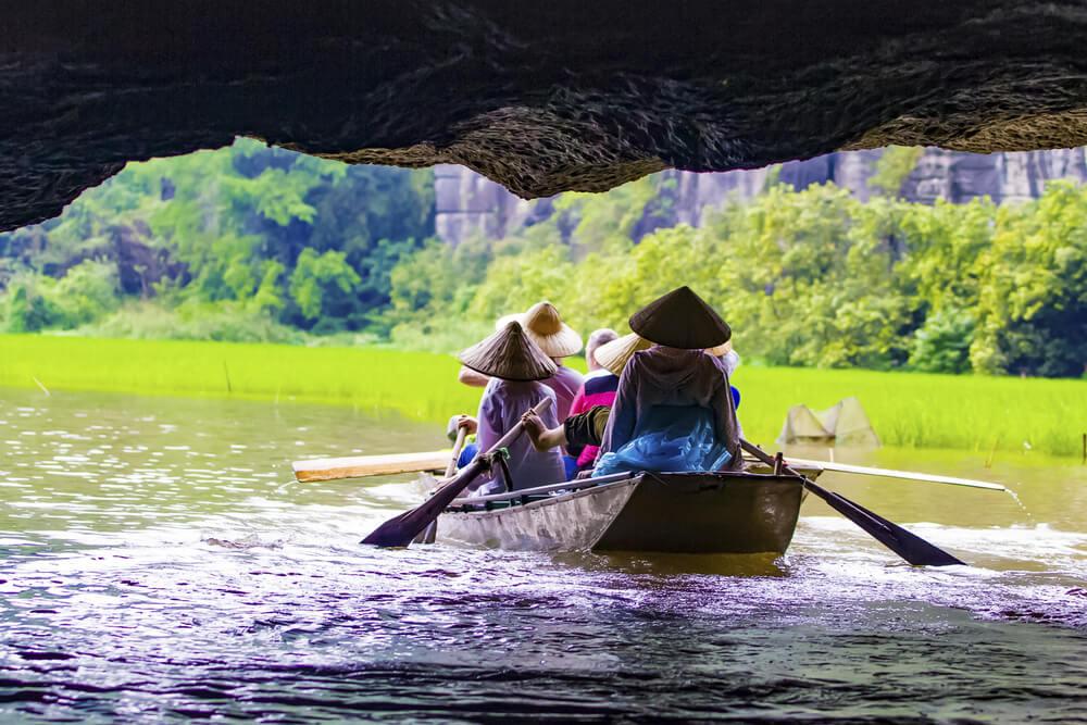 Barca en el río Ngo Dong