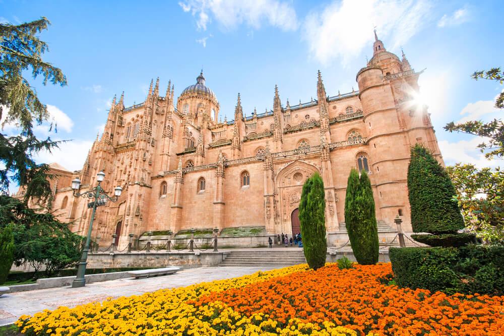 Postal de la Catedral de Salamanca.