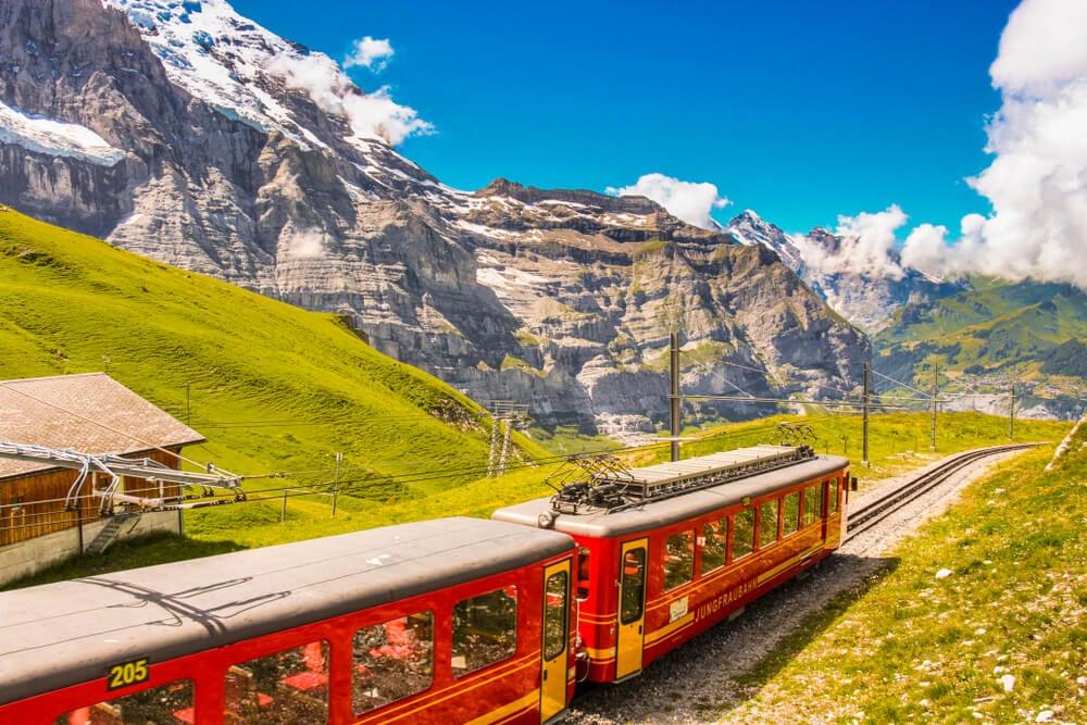 Ferrocarril de Jungfrau cerca de Grindelwald