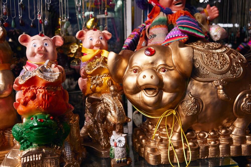 Figuras en la Feria de la Alasita