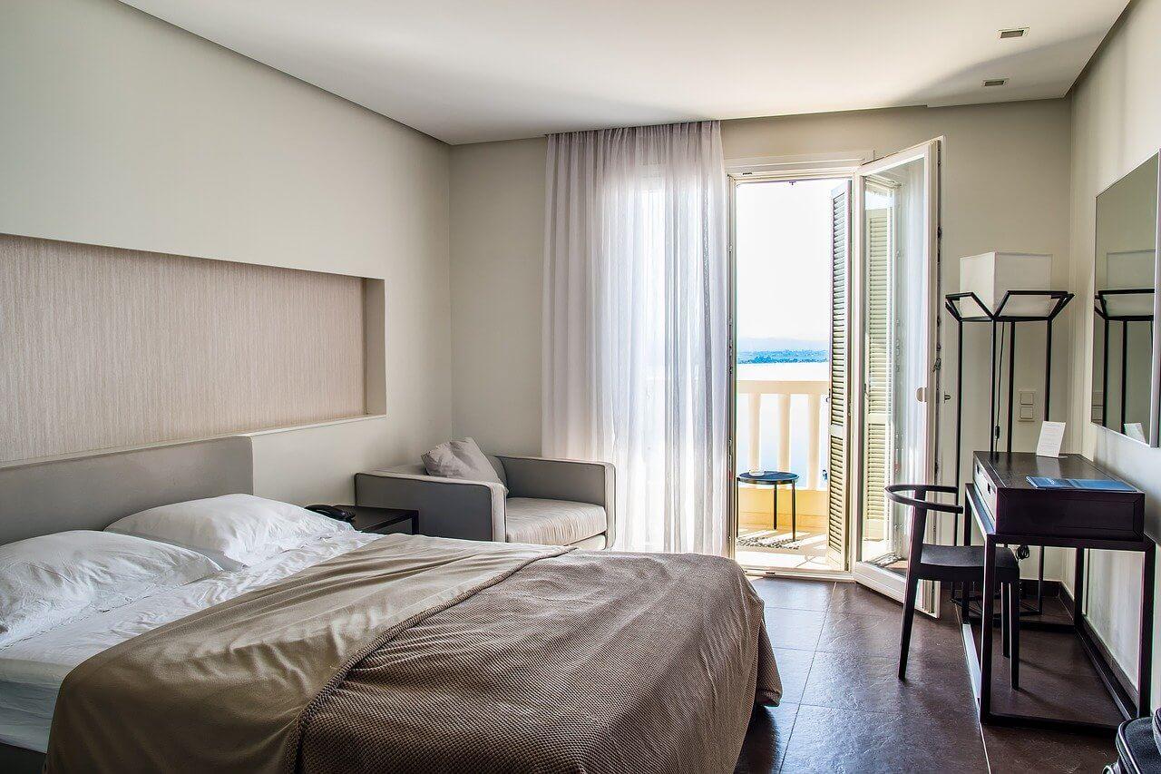 Habitación de hotel, escenario de supersticiones de viaje