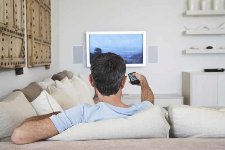 8 series de televisión para viajar desde el sofá
