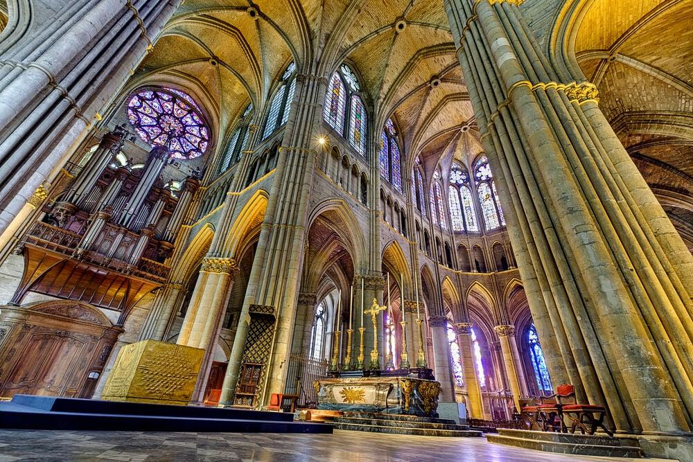 Interior de la catedral de Reims