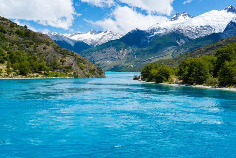 La belleza del lago General Carrera en la Patagonia