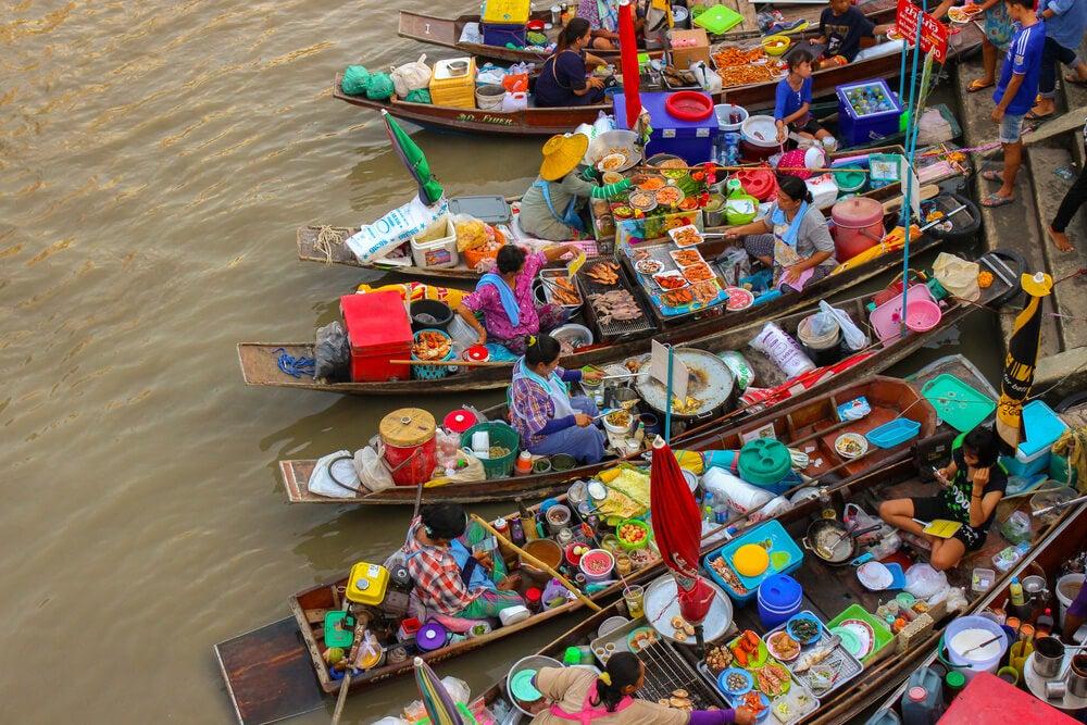 Mercadillo flotante de Amphawa