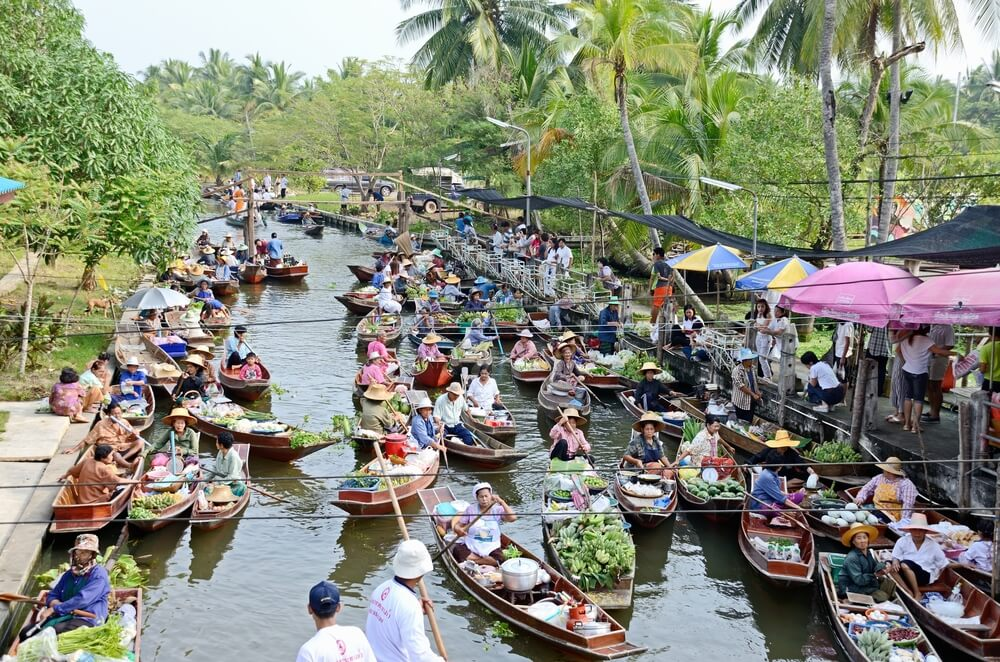 Mercadillo flotante de Tha Kha