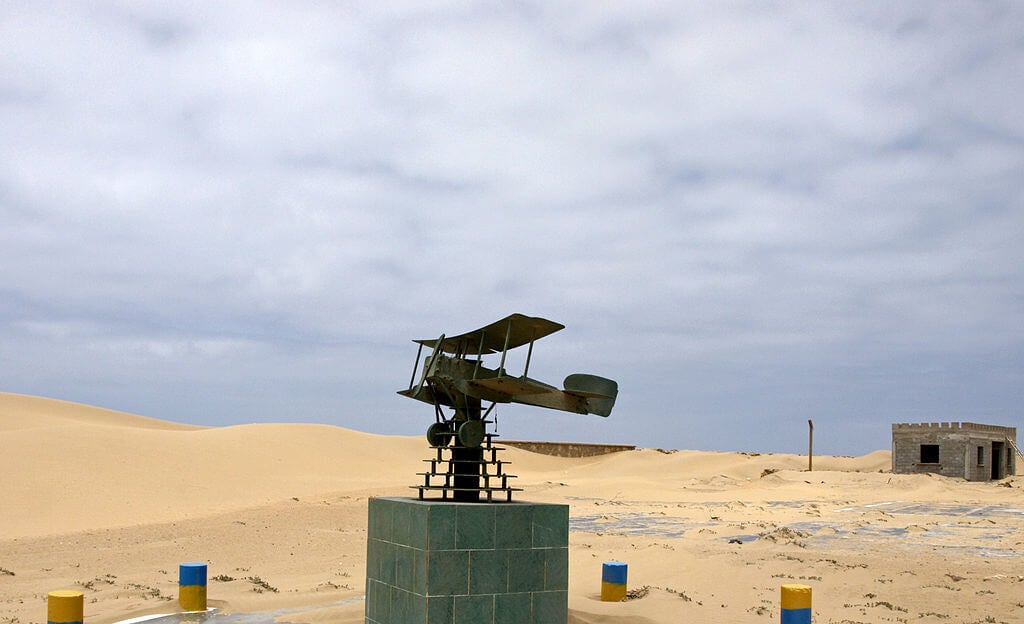 Monumento a Saint-Exupéry en Tarfalla Marruecos