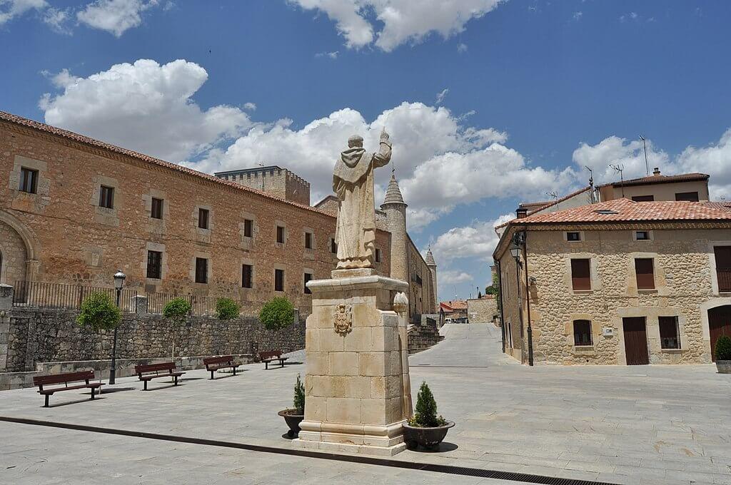 Plaza en Caleruega