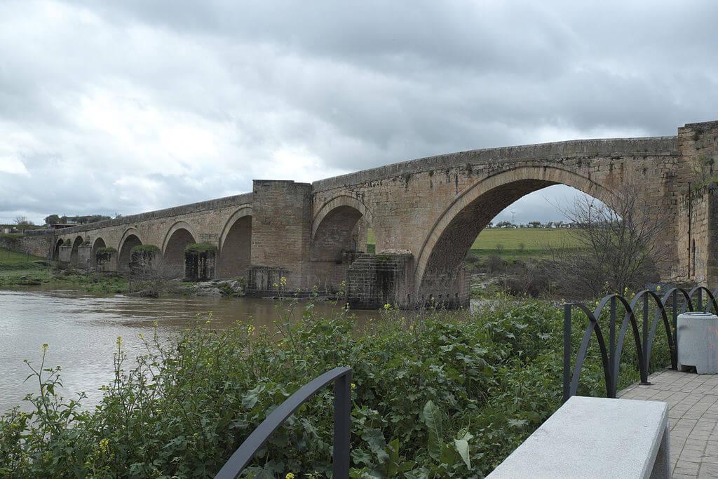 Puente-arzobispo