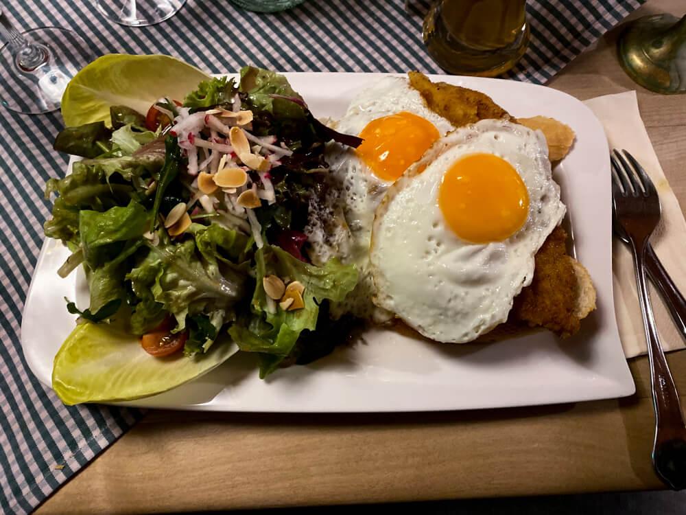 Schnitzel Holstein, uno de los platos tradicionales de Alemania
