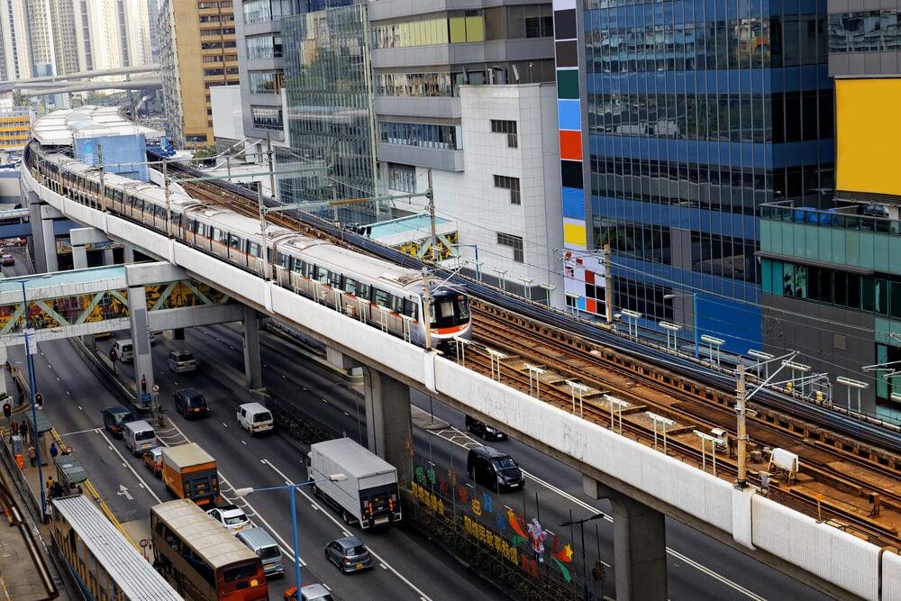 Tren, uno de losmedios para moverse por Hong Kong