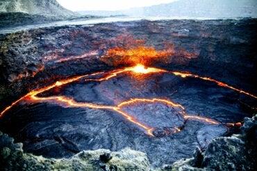 Un lago de fuego en el volcán Erta Ale de Etiopía