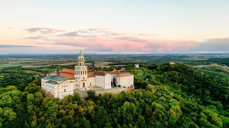 Visitamos la abadía de Pannonhalma en Hungría