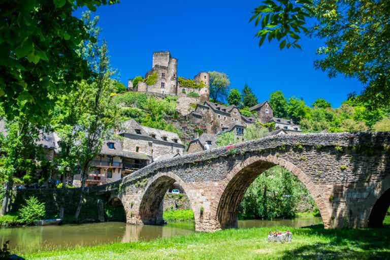 Belcastel: uno de los pueblos más bonitos en Francia
