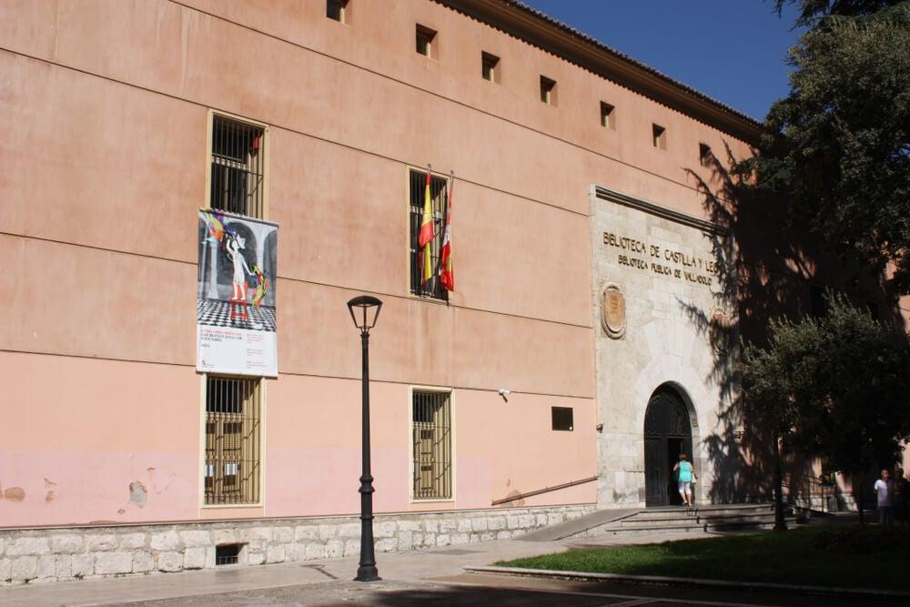 La Biblioteca de Castilla y León también se ha sumado a la iniciativa de bibliotecas viajeras.