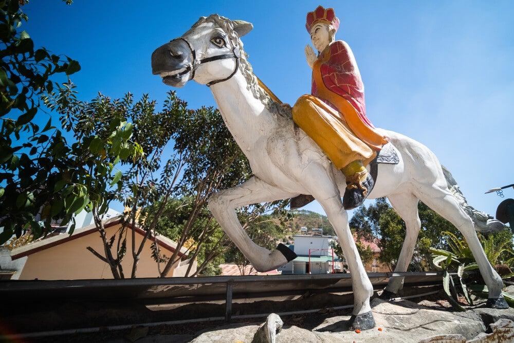 Estatua de Xuanzang ubicada en Vietnam.