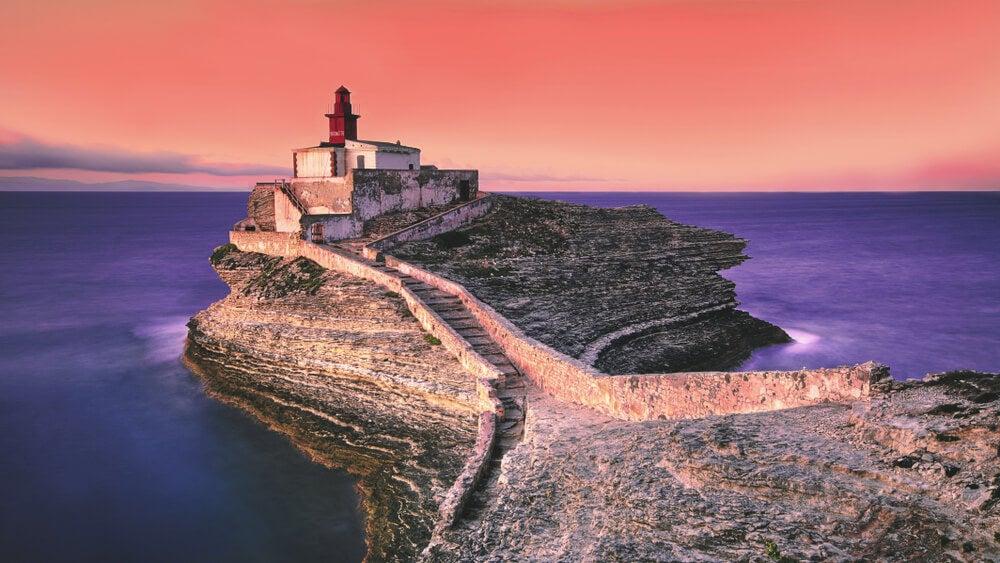 Faro en Bonifacio, Corsica, Portugal.