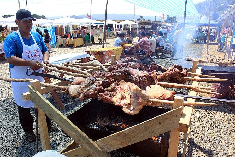 La Feria Costumbrista es una costumbre en Queule.