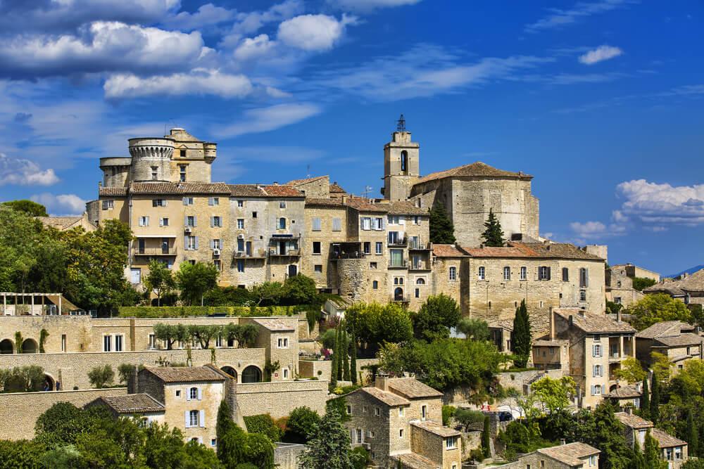 Vista panorámica del Palacio de Saint Firmin y sus bodegas.