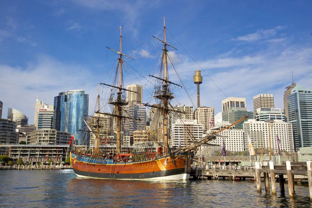 Réplica del Endeavour, la embarcación usada por James Cook.