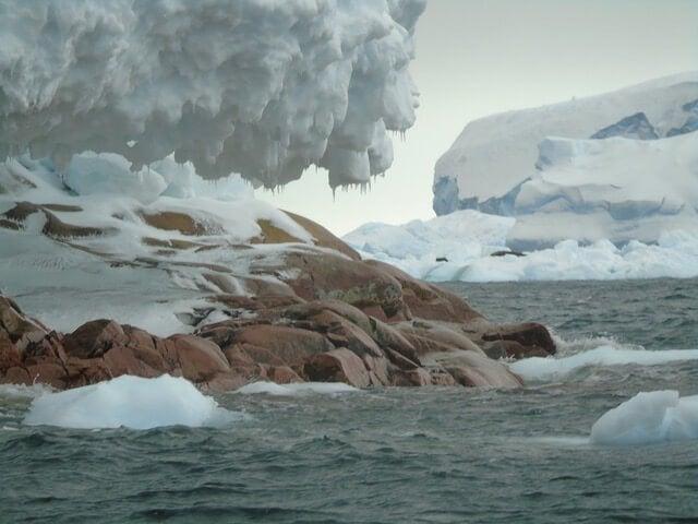 Imagen de Sif, una nueva isla que surge en la Antártida.