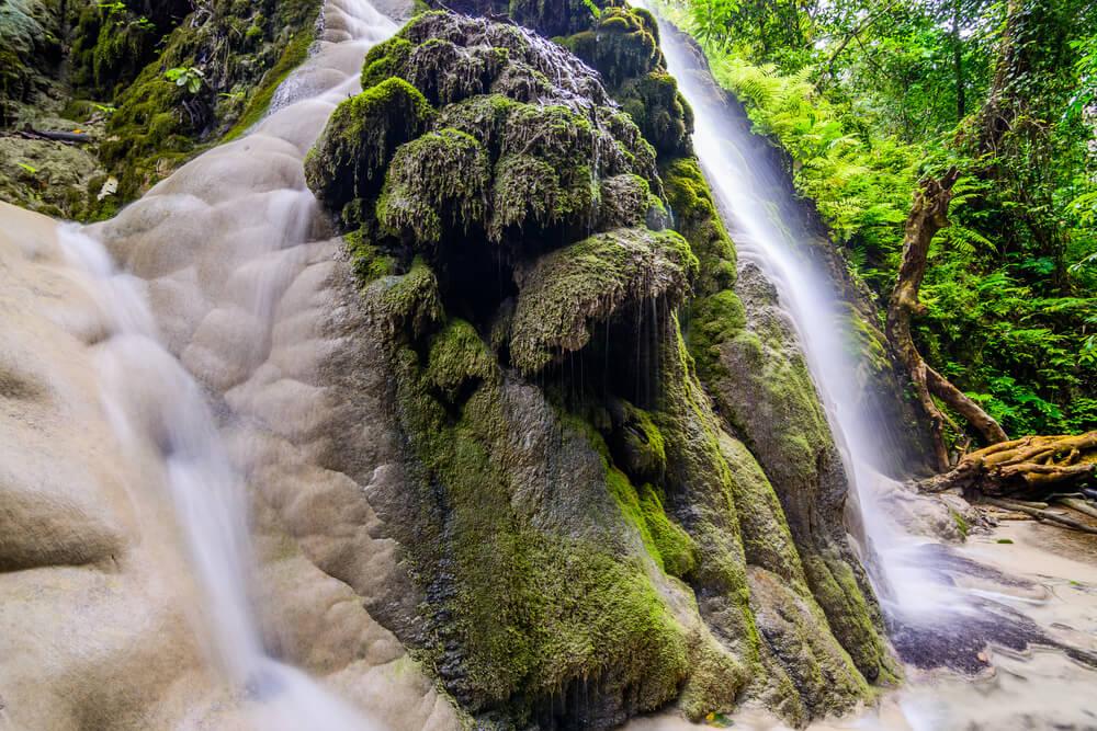 Las cascadas pegajosas de Bua Tong, en Tailandia.