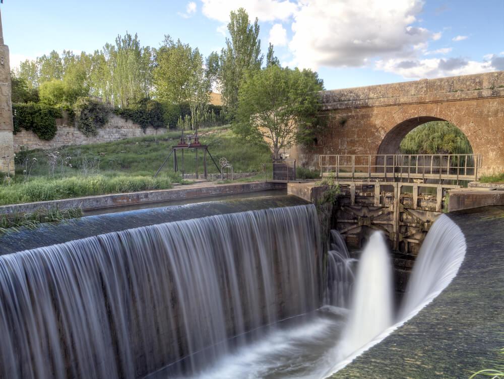 Canal de Castilla: una de las obras hidráulicas más importantes de España
