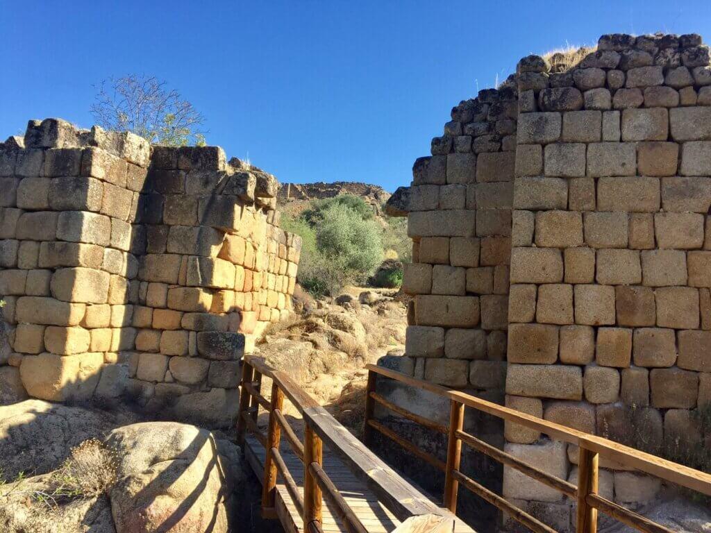 Ruinas de los asentamientos en Ciudad de Vascos.