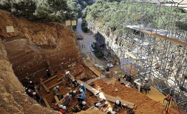 Excavación en los yacimientos de la Sierra de Atapuerca.