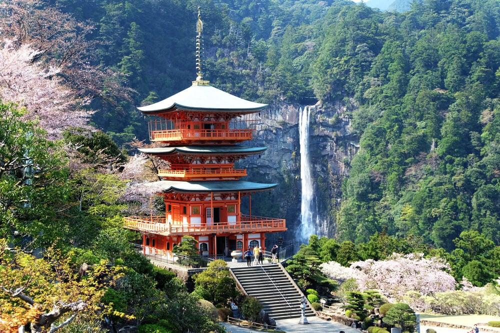 El de Nachi Taisha es un santuario famoso por su pagoda.