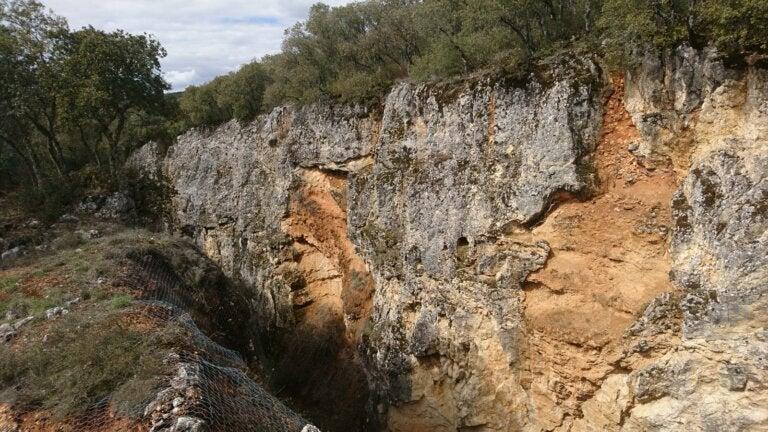 La Sierra de Atapuerca y el hallazgo de los restos fósiles más antiguos