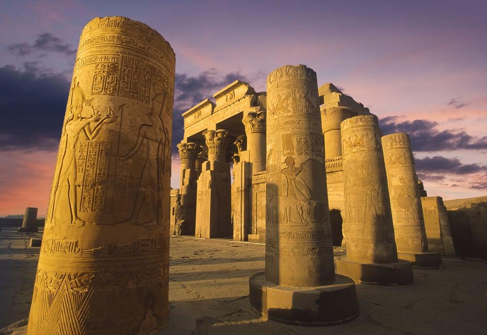 Columnas y arquitectura del templo de Kom Ombo.