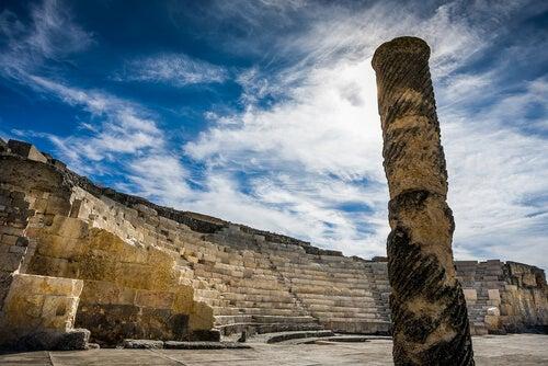 El teatro de Segóbriga, ruina de una ciudad romana antigua.