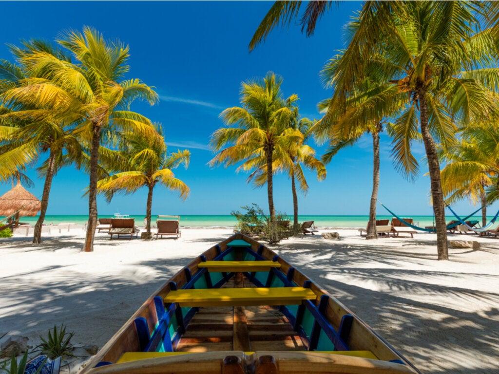 Playa paradisíaca en la isla de Holbox.