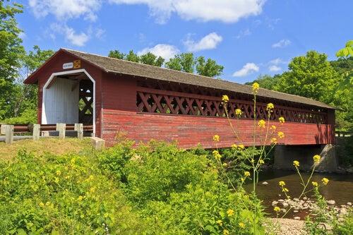 El bello puente cubierto Henry, en Vermont.