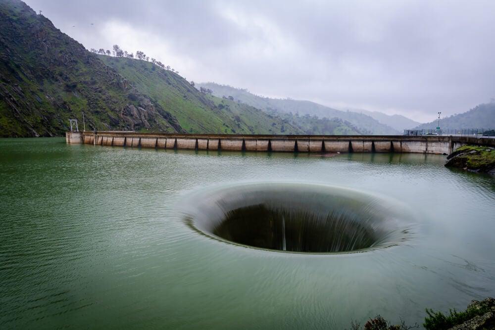 Represa de Monticello, ubicada en California.