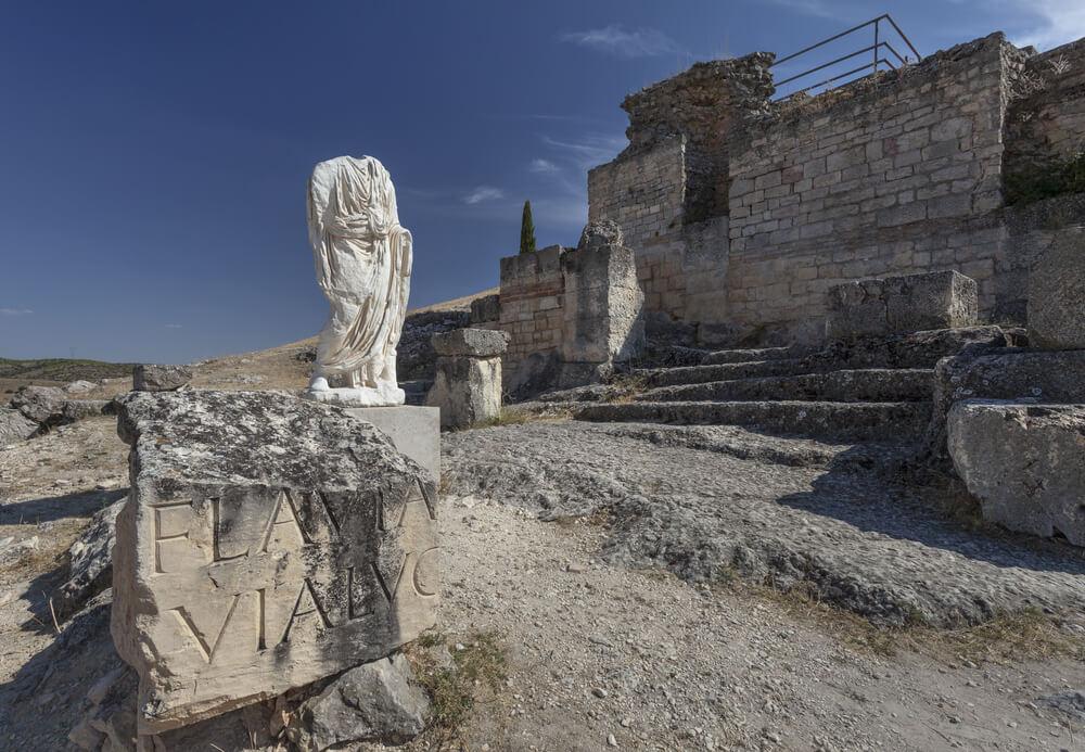 Impresionantes ruinas romanas en Cuenca, España.