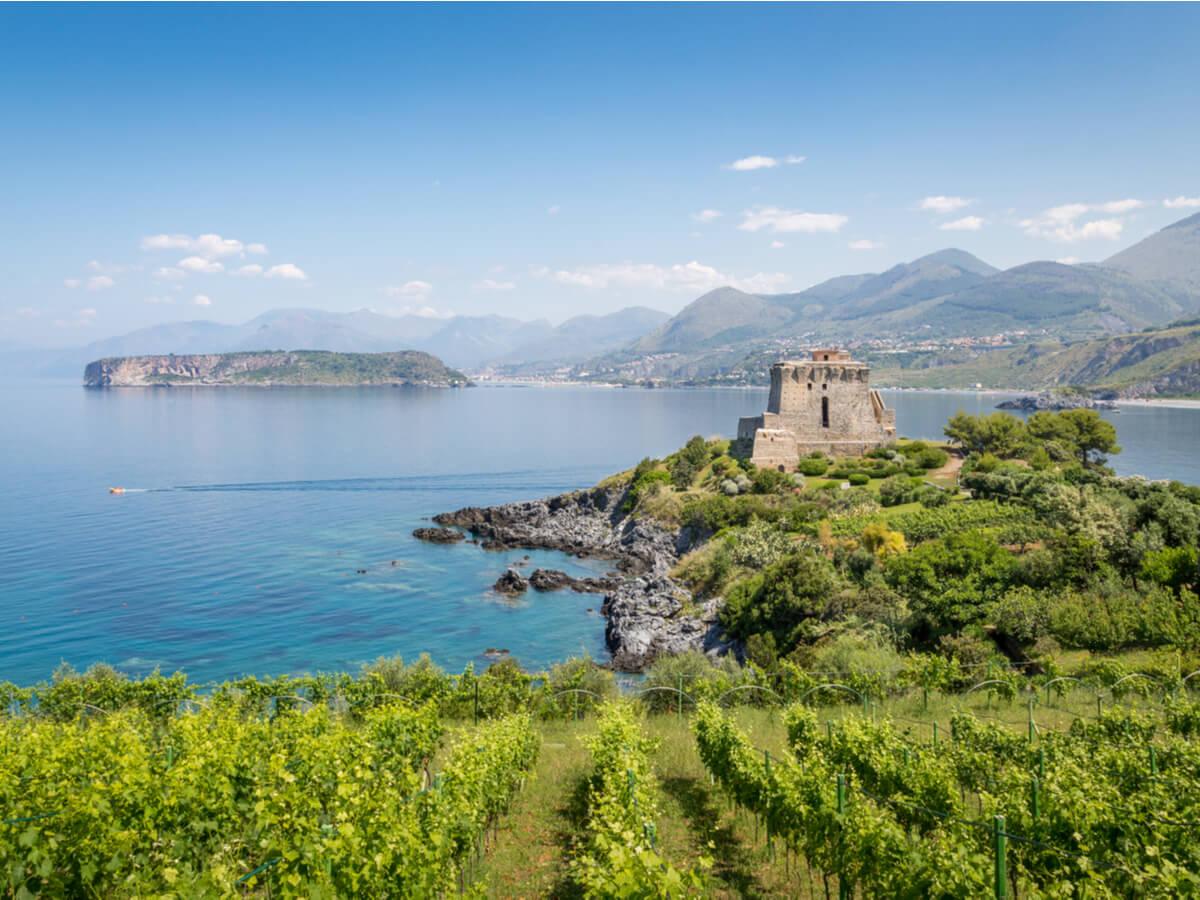 La Torre de Crawford, en la costa de Calabria.