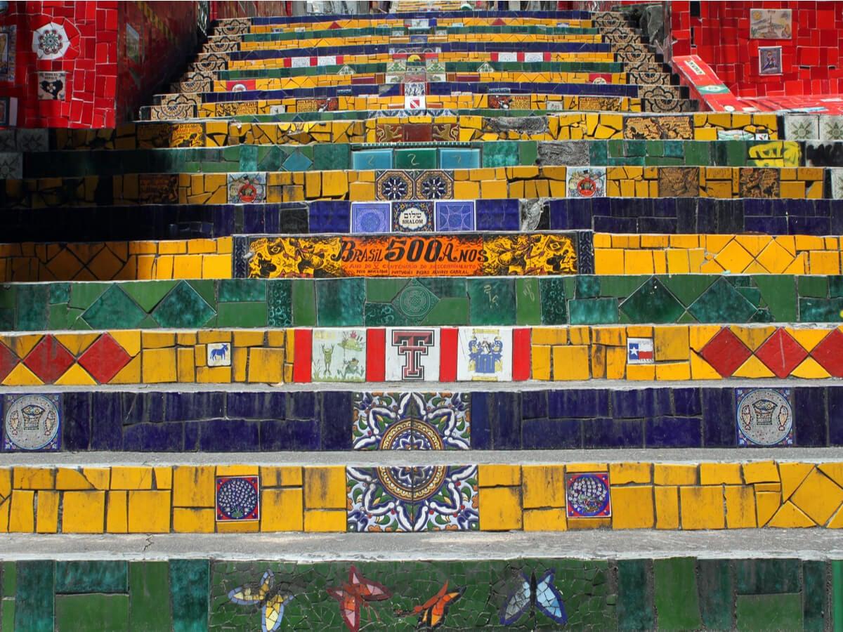 Los distintos tipos de cerámicos que contiene la escalera Selarón.