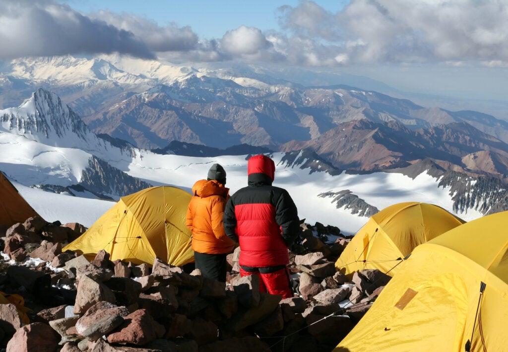 Escaladores acampando en el Cerro Aconcagua.