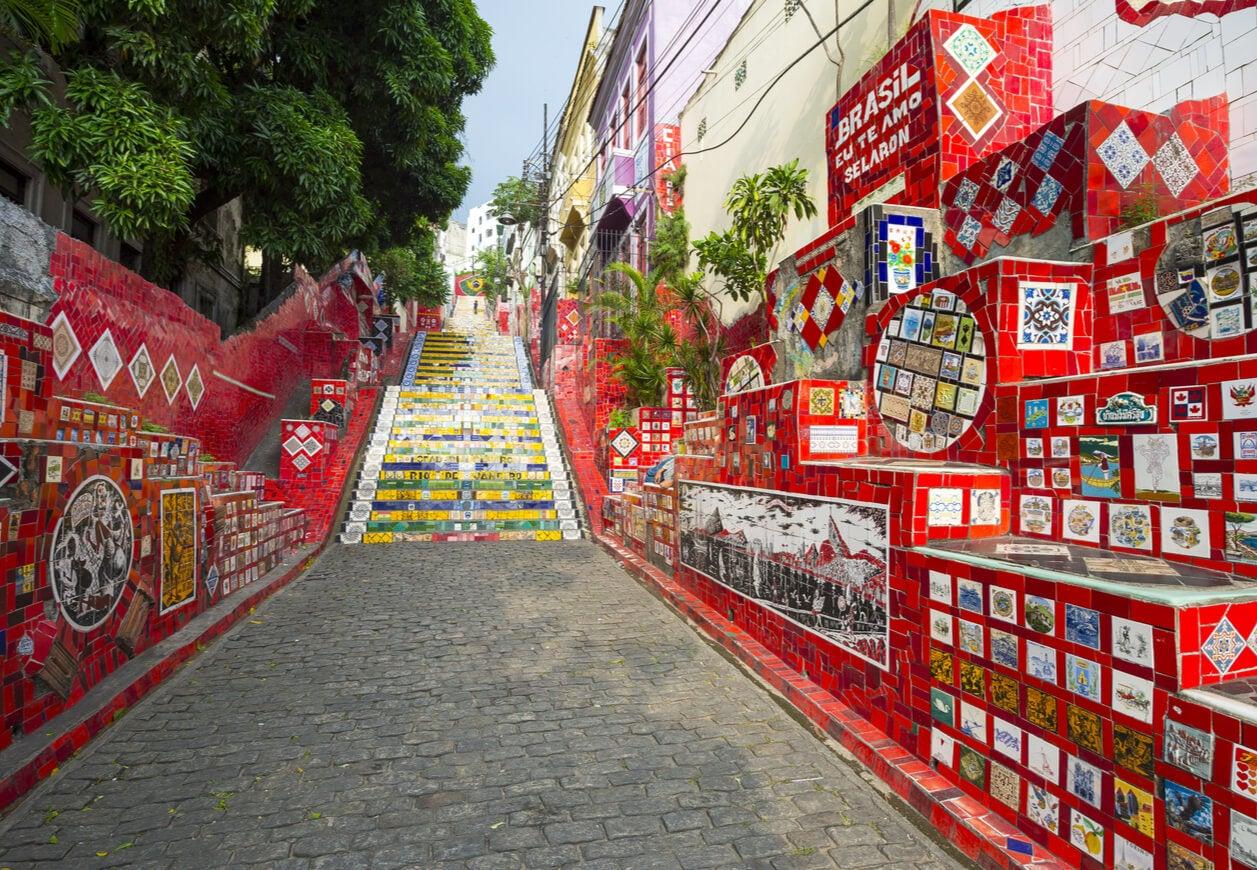 El barrio de Lapa y una escalera que es icono de Río de Janeiro.
