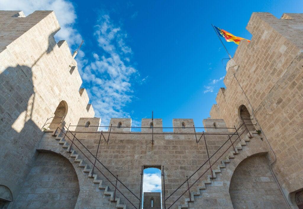 Vista del interior de las Torres de Serranos en Valencia.