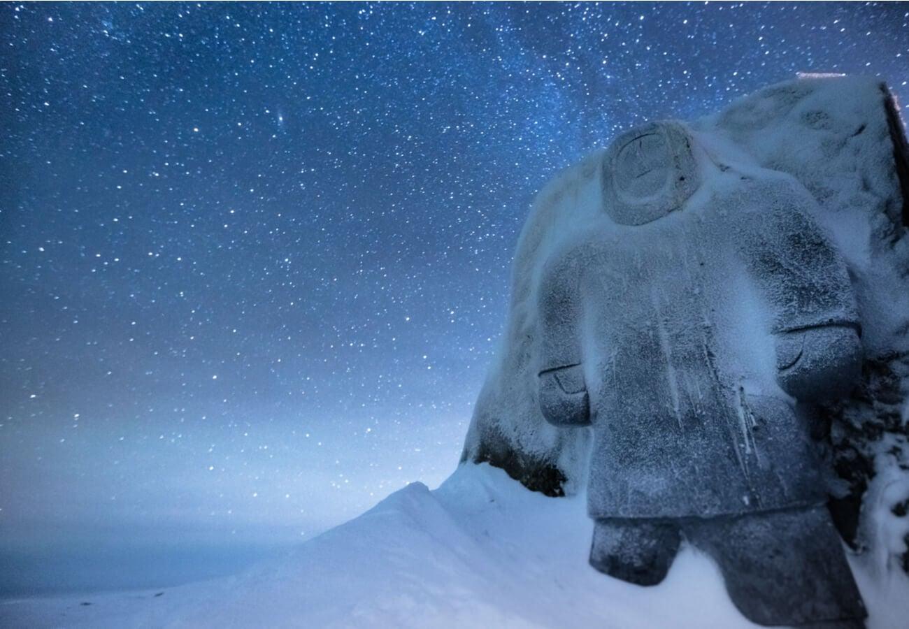 Monumento a los Inuits en Canadá.