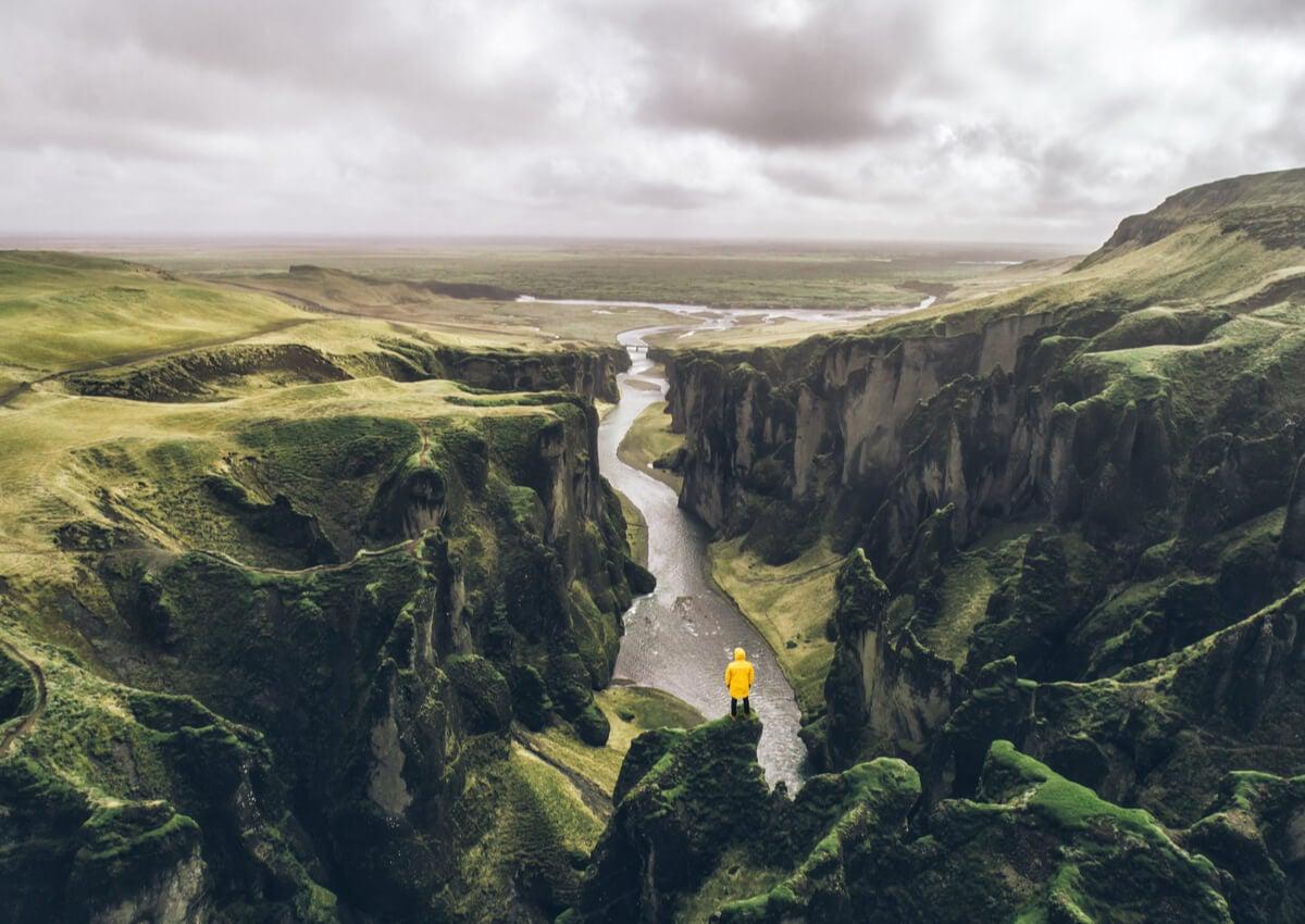 Panorámica desde el cañón de Fjadrargljufur en Islandia.