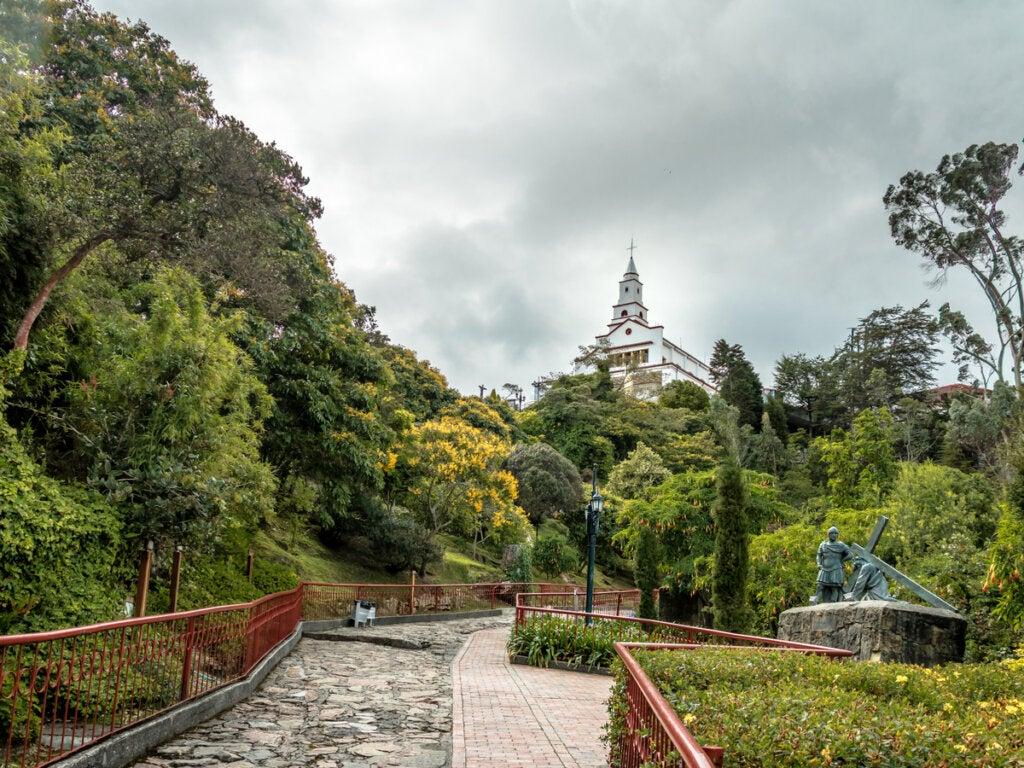 El santuario ubicado en la cima del Cerro de Monserrate.